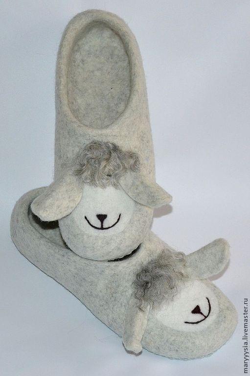 """Купить тапочки """"веселая овечка"""" - Валяние, валяные тапочки, домашние тапочки, тапочки из войлока"""