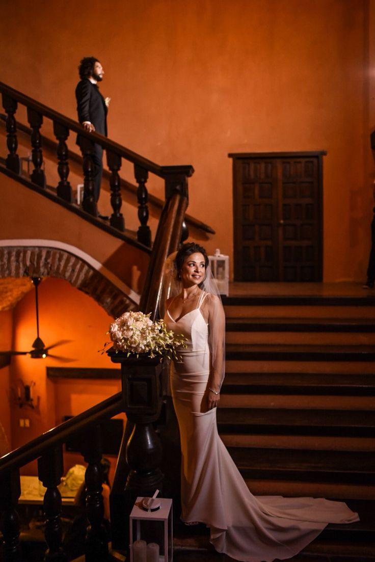 Wedding day photoshoot, First look hiden in Casa Estrella - Cartagena - Colombia #weddingphoto #weddingdestination # #lovely #cartagena #destination #weddingdrees