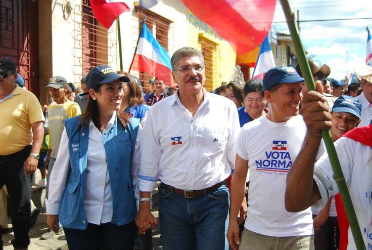 Norman Quijano futuro presidente de El Salvador visitando Atiquizaya.