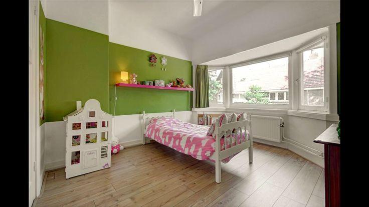 Ideeen Witte Muur : die groene muur met witte onderkant more die ...