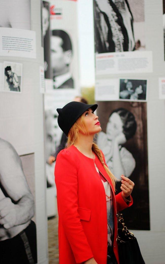 Berlin. Zara red coat & black cat ears hat, Jaws shirt, Chanel GST with fishtail braid. pret-a-porter-sini.blogspot.fi/