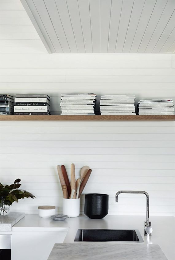 Serene farmhouse in Victoria, Australia. Styling by Tess Newman-Morris, photos by Sharyn Cairns via Homelife