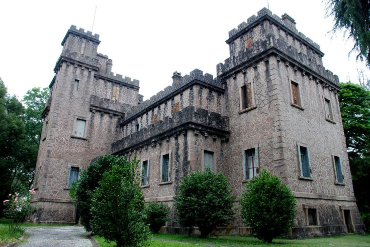 In Rio Grande do Sul state in southern Brazil, a castle was erected by the diplomat and agriculturist Joaquim Francisco de Assis Brazil. One hundred years of regional history are stored in these wa…