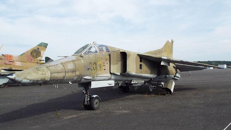 Soviet Mikojan-Gurewitsch MiG-23 BN Flogger-F) 1972 Luftwaffe Museum Gatow Berlin