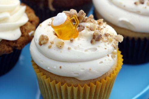 Oktoberfest-Party-Ideen-Dekoration-bier-cupcake