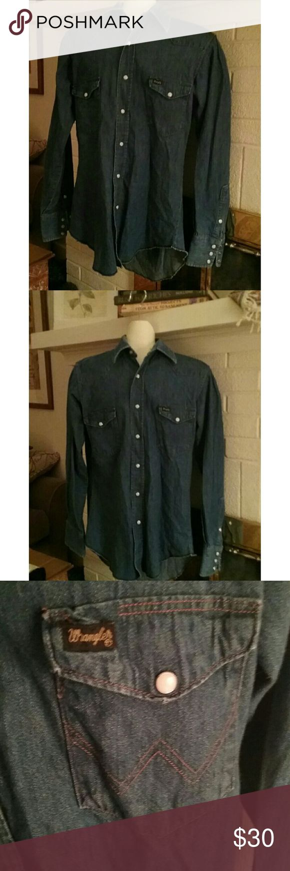 Vintage 1973 Wrangler shirt Bluer than photograph. Great condition. Made in USA. Pearl buttons. Extra long tails. Great color and condition. Size 15 ? 34 mens work shirt. Would fit small to large womans size, probably not extra large. Really, really nice shirt. Vintage Wrangler Shirts