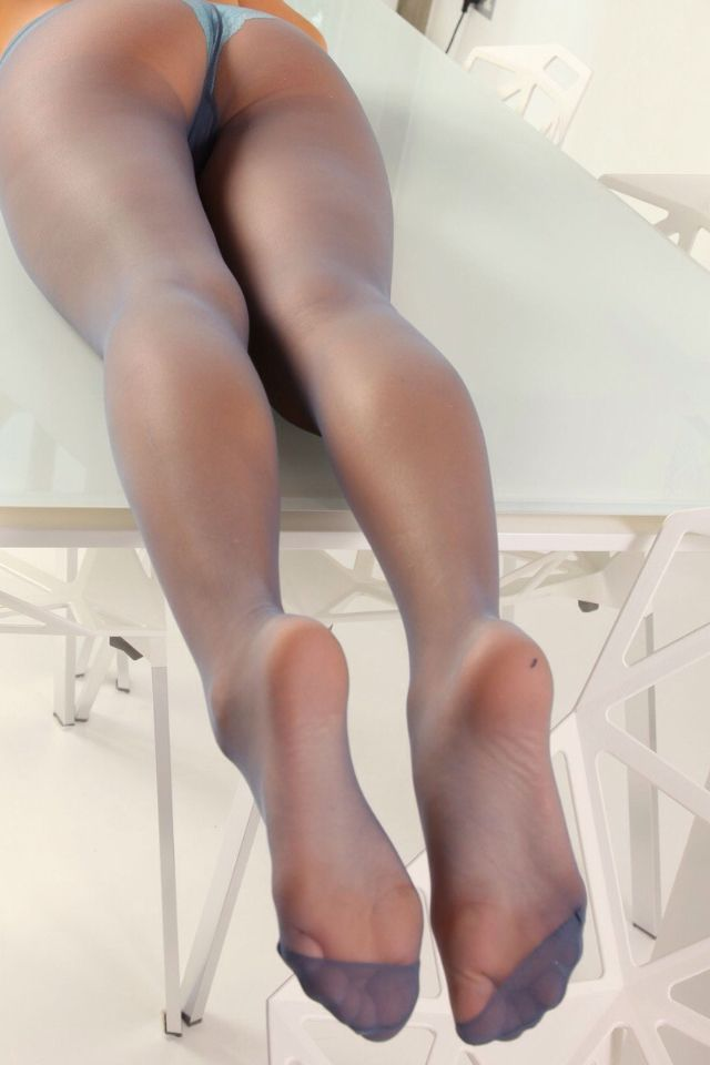 Searching for pantyhose legs if idea