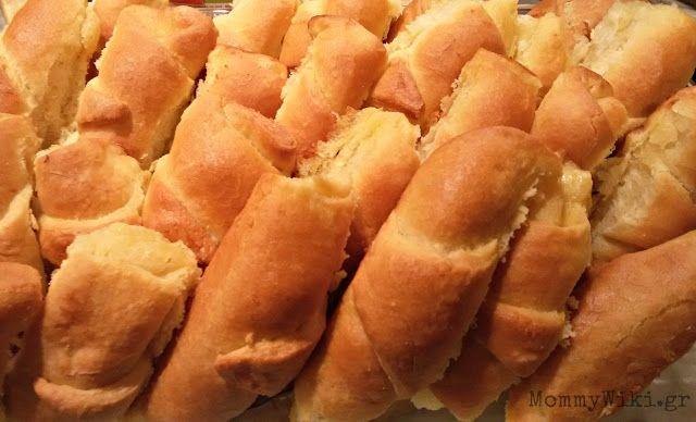 MommyWiki: Tυροπιτάκια με αφράτη - ψωμένια ζύμη