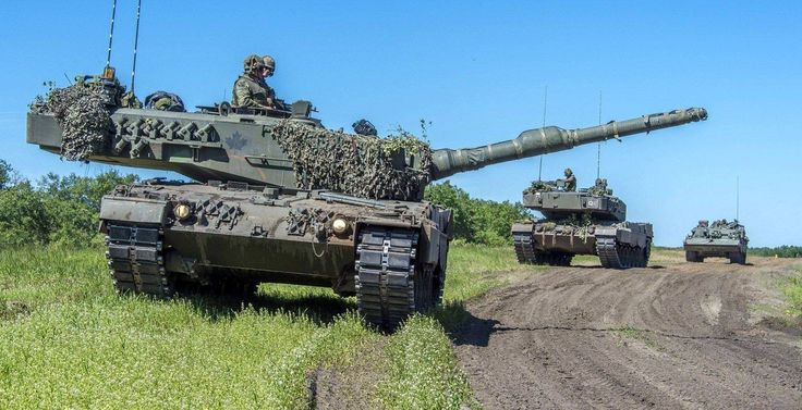 "Leopard 2A4 during the exercise ""Maple Resolve 16"" ."