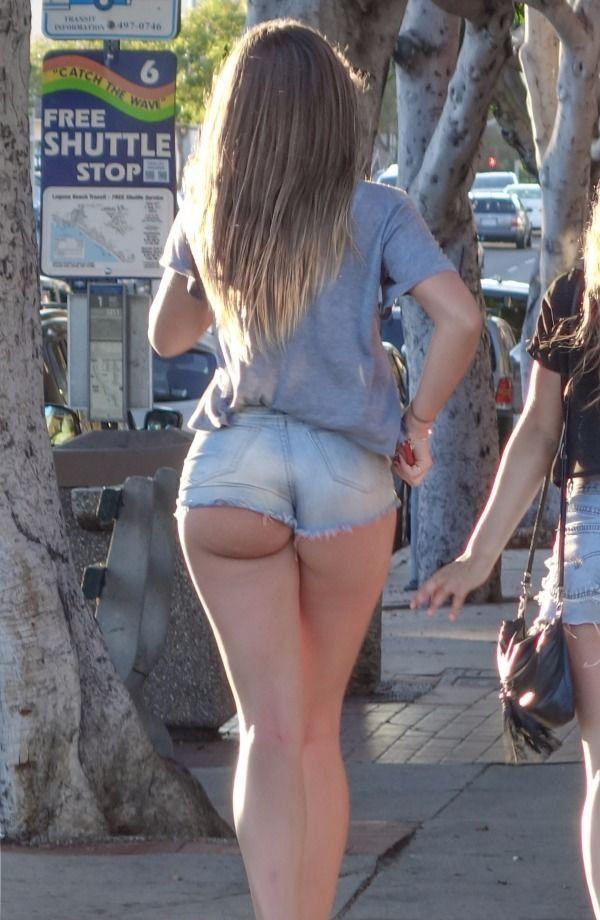 fat-girls-in-hotpants-naked