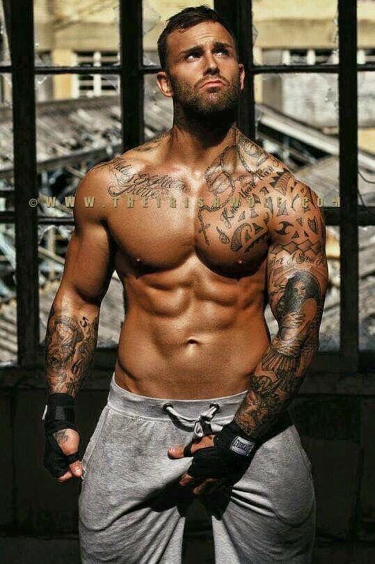hot tattooed amateur guys