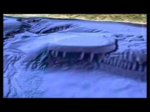 UFO/Military Base found off the Coast of Malibu. UNA FLOTILLA DE OVNIS REALES SOBREVUELA MÉXICO - YouTube
