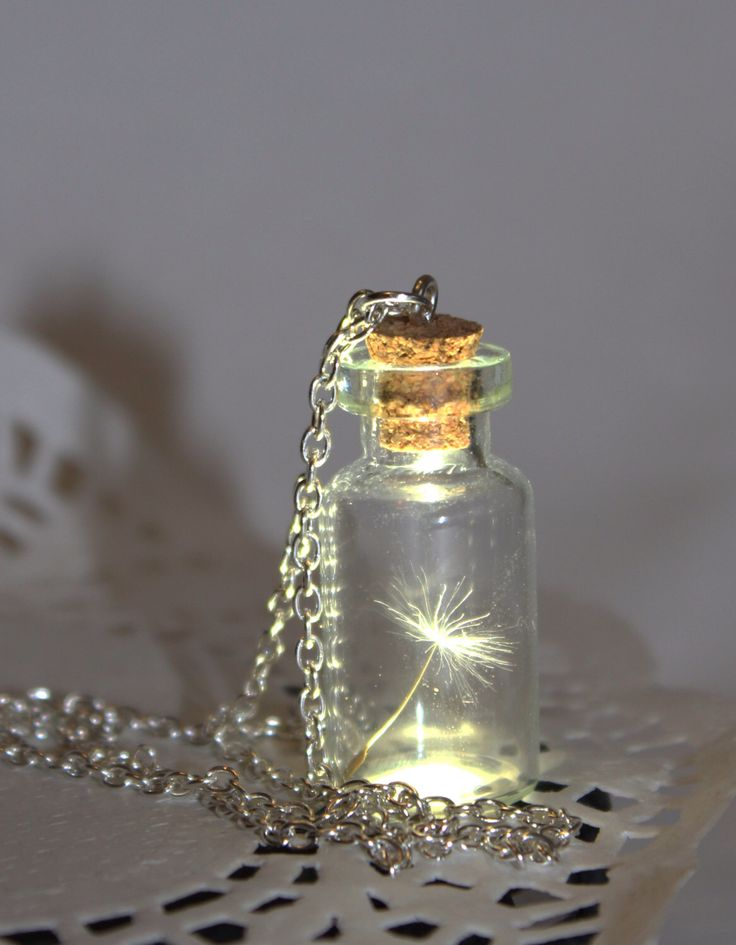 One Special Wish, Dandelion Seed in a bottle, Botanical Vial Terrarium Necklace- Glass Bottle Pendant -Botanical jewelry door SweetyLifeShop op Etsy https://www.etsy.com/nl/listing/212832602/one-special-wish-dandelion-seed-in-a