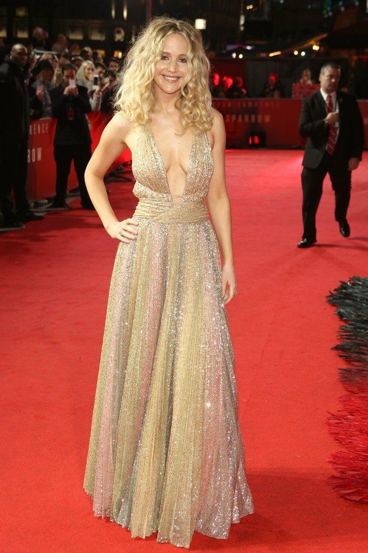 Jennifer Lawrence Stuns In Sparkling Dior Golden Gown At
