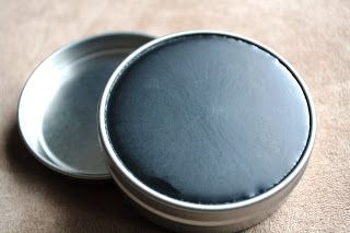 DIY Homemade Black Drawing Salve Recipe - This natural remedy is great for bee stings, splinters - even boils!
