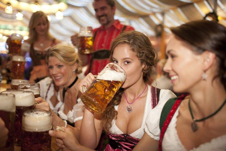 My favorite Oktoberfest picture. - Imgur