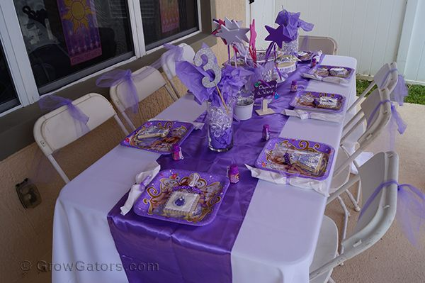 Sofia The First: A 3rd Birthday Party for our Princess | Read more on Sofia the First table party decor for birthday party at http://www.growgators.com/2016/09/sofia-the-first-a-3rd-birthday-party-for-our-princess/