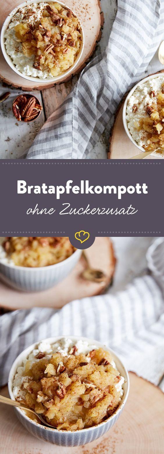 Winterfrühstück: Zucker bleibt draußen, dafür sorgen Zimt und Vanille für den echten Bratapfel-Touch bei deinem warmen Kompott auf cremigem Hüttenkäse.