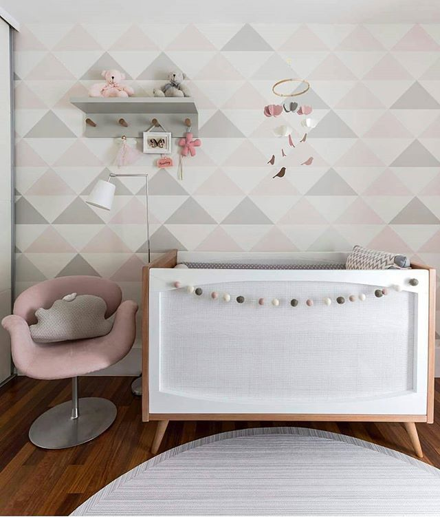 ♡Rosa e Cinza♡ Combinação perfeita, moderno.  Mais um dos lindos berços da @ameisedesign. #inspiracaododia #inspiracao #inspiration #quartodebebemenino #quartodecrianca #quartobebemenina #decoracao #decoracion #quartoinfantil #decorations #nursery #kids #baby #babyboy #babygirl#kidsdecor #kidsroomdecor #nurserydecor #quartodebebe #decor #baby#kidsdecor