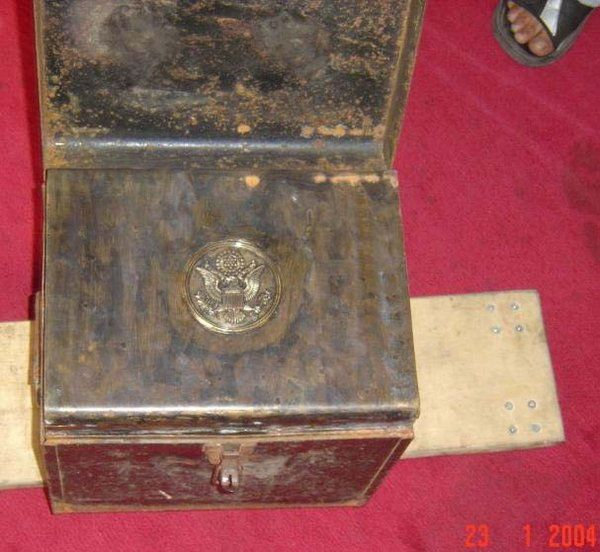 Federal Reserve Bank Treaty of Versailles coupon bond six ( 6 ) pack Treasury chest with dual lid covers bearing Great Seal of the United States of America.