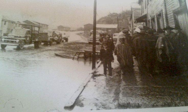 Galería Histórica de Carahue. Cultura Ribereña: Inundación en Villa Damas. 1981-----------#ghc #carahue #memoria #patrimoniofotografico #galeriahistoricadecarahue