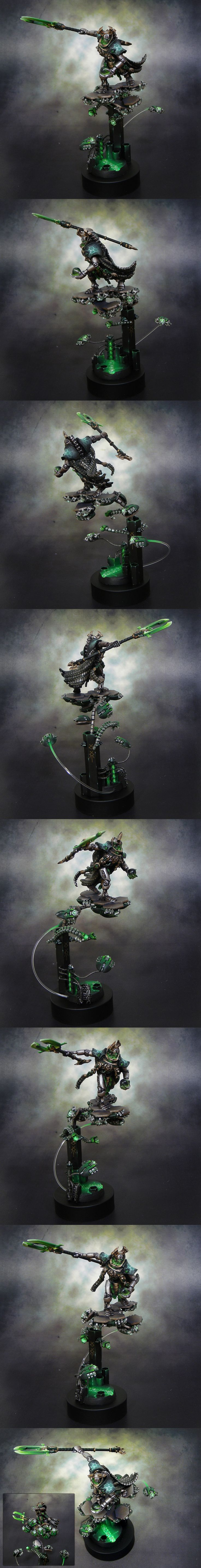 Necron Overlord-Look at how cool the scarabs are that hold up the little platforms.    Warhammer 40k Miniatures.
