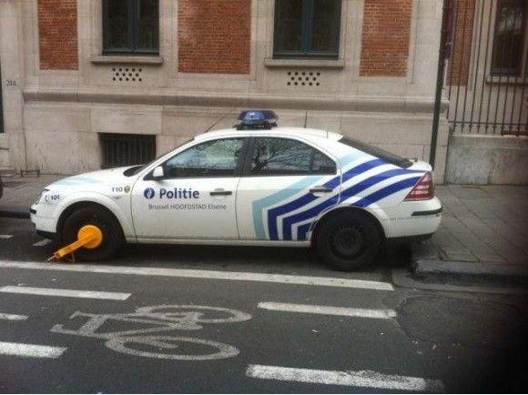 police belge, est une image drôle publiée le 9 Mars 2013 par CARTAPUCE. Que pensez-vous de cette image drole insolite ?