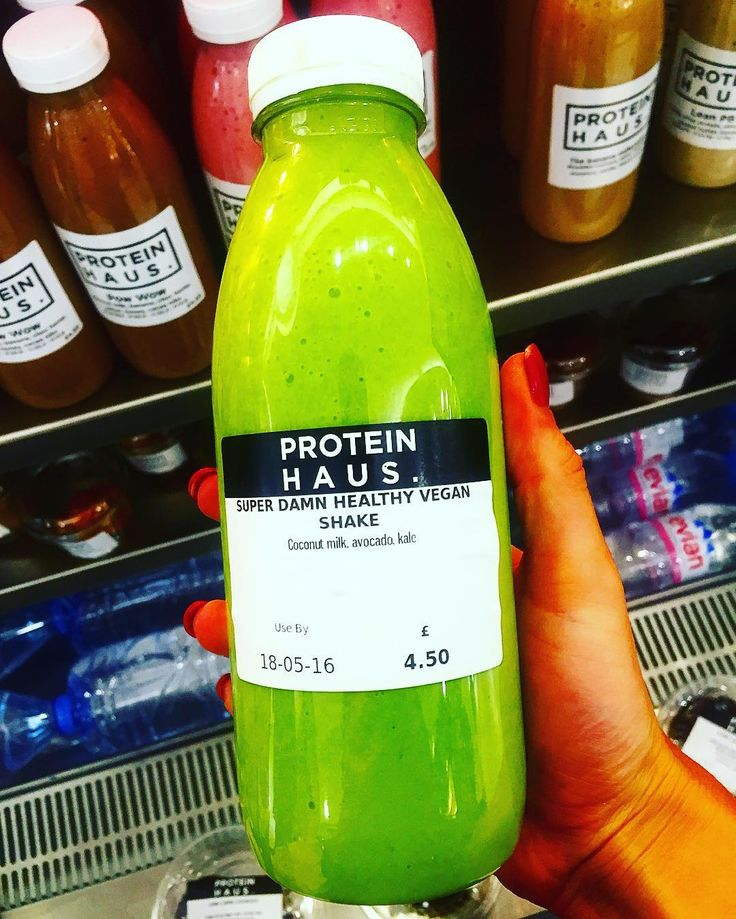 DAT COLOUR  Feelin' super damn healthy  . After an intense back and shoulder sesh this morning I was craving a creamy green shake & this bad boy from @proteinhausuk delivered . Got huge love for anything that has coco milk in at the mo  .  #london #fitness #postworkout #green #smoothie #drinkyourgreens #exercise #training #muscle #recovery #progress #healthy #fats #fitfood #cleaneating #protein #macros #morning #snacking #refuel #nourish #lifestyle #health #hblogger by sunshineandwaffles