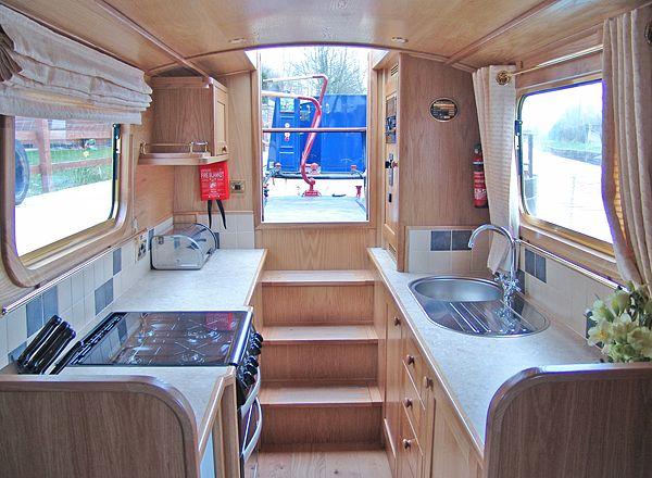 50ft Luxury Narrowboat by Elton Moss