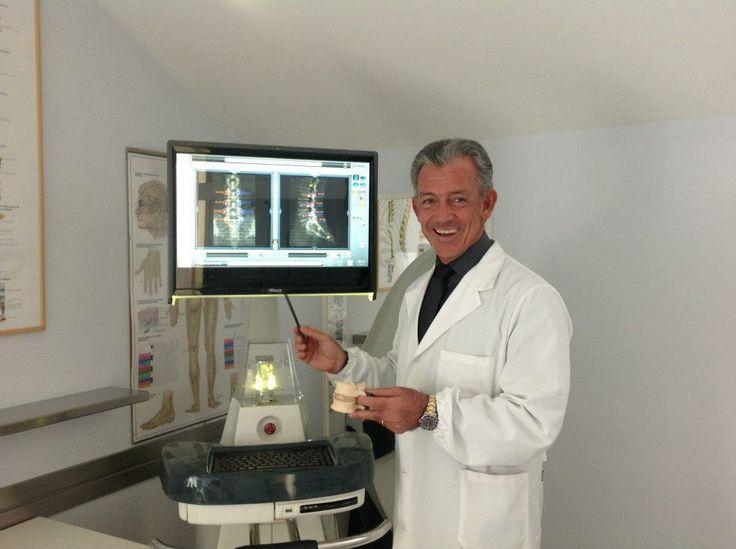 Il Prof.Panfili con l'innovativo Robot