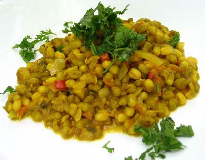 Spicy Mung Beans - My friend Nisuki made this last week for lunch and I can't get it off my mind...