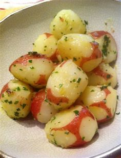Buttery Boiled Baby Red Potatoes with Herbs