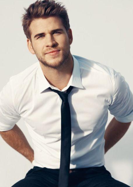 he makes it so hard to be team peeta.: Eye Candy, Hotties, But, Guy, Boys, Liam Hemsworth, Liamhemsworth, Celebrities, People