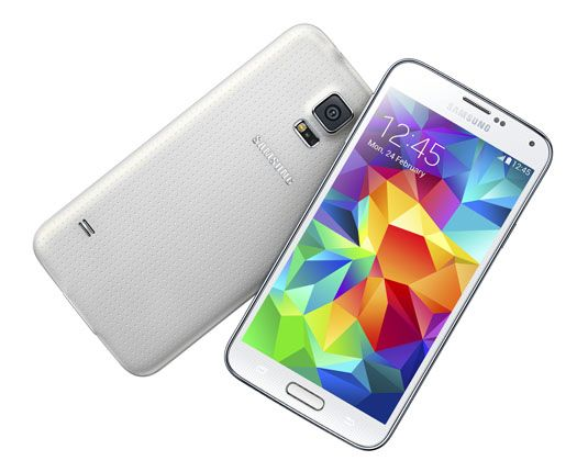 Samsung launched the Galaxy S5 almost three months back, and released it on 11th of April. The company has rolled a firmware update for the device having model number SM – G900F. It received a very warm welcome from the users and is breaking all the records set by the Galaxy S4