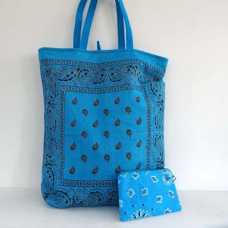 Sac cabas en coton bleu turquoise dessin bandana , doublé coton bleu uni . shopping bag : Autres sacs par akka-accessoires