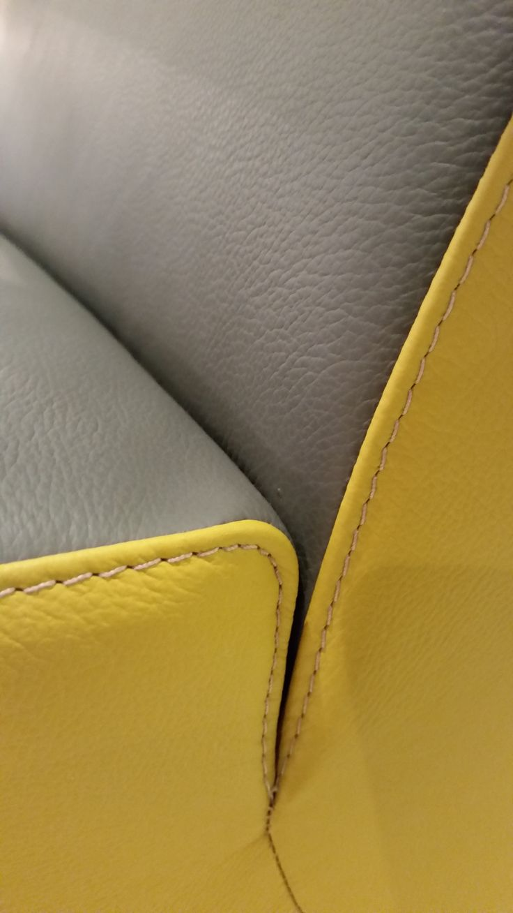 Detail of handcrafted Dutch Design chair in leather by martin eskes design