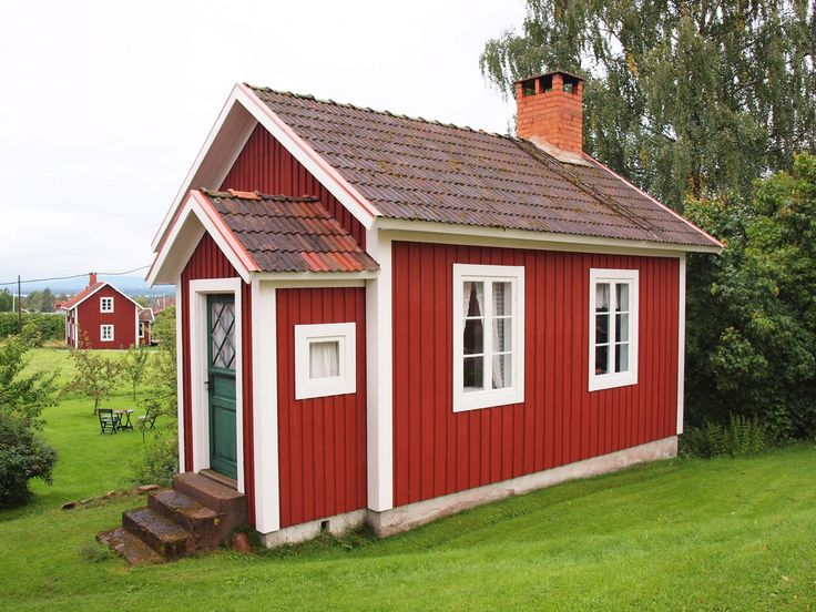 Swedish stuga. This would be a perfect playhouse for my daughter!
