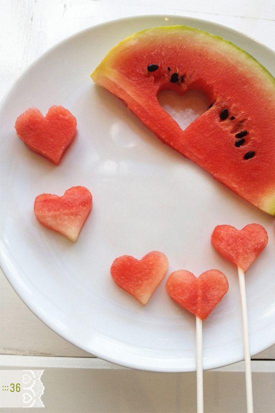 Melonenherzen. Mit Schokolade überzogen ein toller Snack