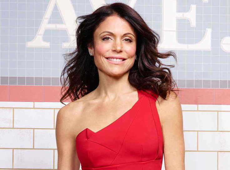 Bethenny Frankel Sobs And Pleads As Her Dog Has Seizure For 45 Minutes And 7-Year-Old Daughter Watches On: 'I Don't Think I Can Do This!' #BethennyFrankel, #Rhony celebrityinsider.org #Entertainment #celebrityinsider #celebrities #celebrity #celebritynews