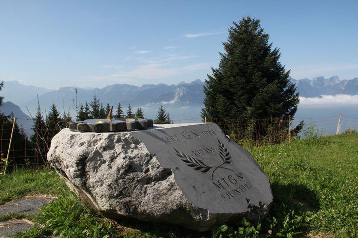 Seit nunmehr fast 120 Jahren erschliesst die Zahnradbahn Montreux-Glion-Caux-Naye den Rochers-de-Naye, knapp 1700 Meter oberhalb des Genfer Sees gelegen.