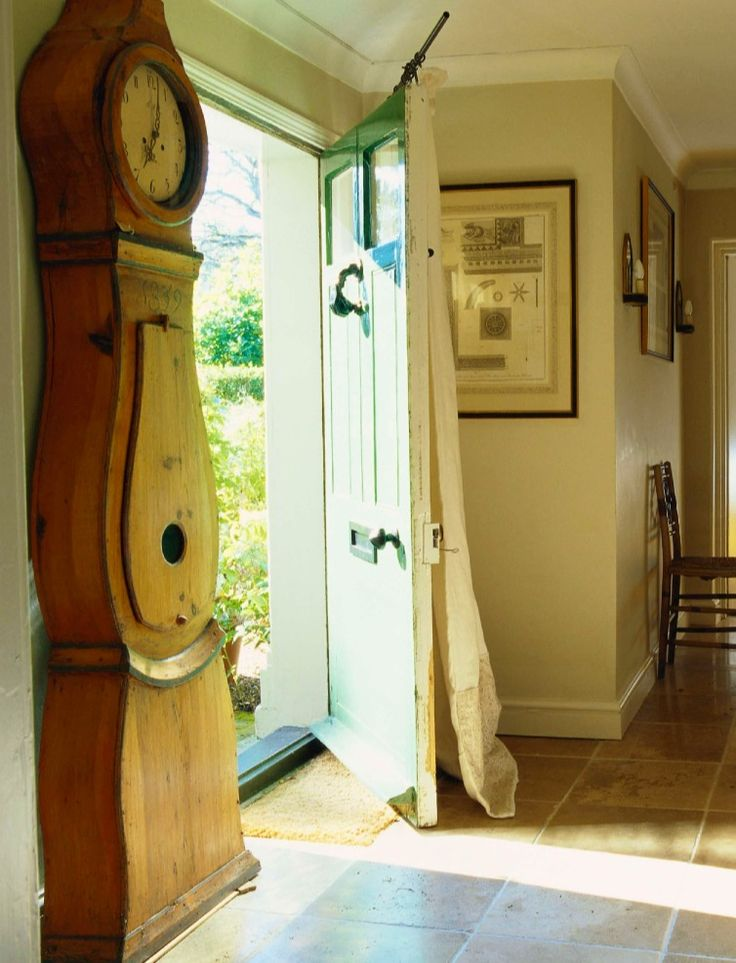 Entry way: NOW AND THEN: Dreamy English Country Cottages by Colefax and Fowler « Decor Arts Now