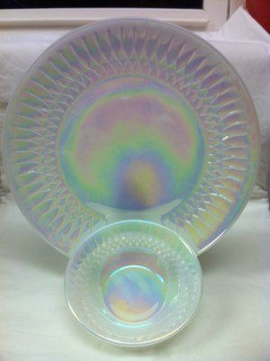 Federal Glass Moonglow Shell Pearl Iridescence 10 Dinner