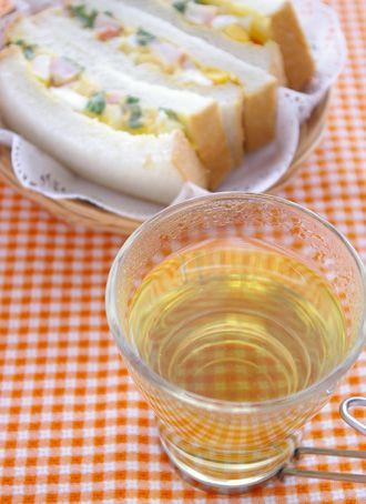 ブレンドハーブティー&海老と大葉入り卵サンド | サーモス 魔法びんの ... ティー & カフェレシピ ブレンドハーブティー&海老と大葉入り卵サンド