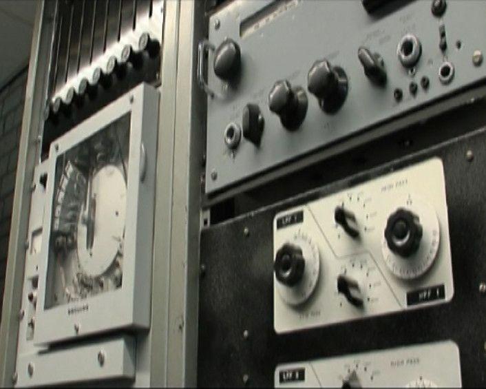 Video- Voor de reconstructie van Edgar Varèse`s Poème électronique gebruikt Kees Tazelaar, componist elektronische muziek, nieuwe softwaretechnologie voor een verbeterde ruimtelijke weergave van het oorspronkelijke werk. Muziek (cultuur moderne)