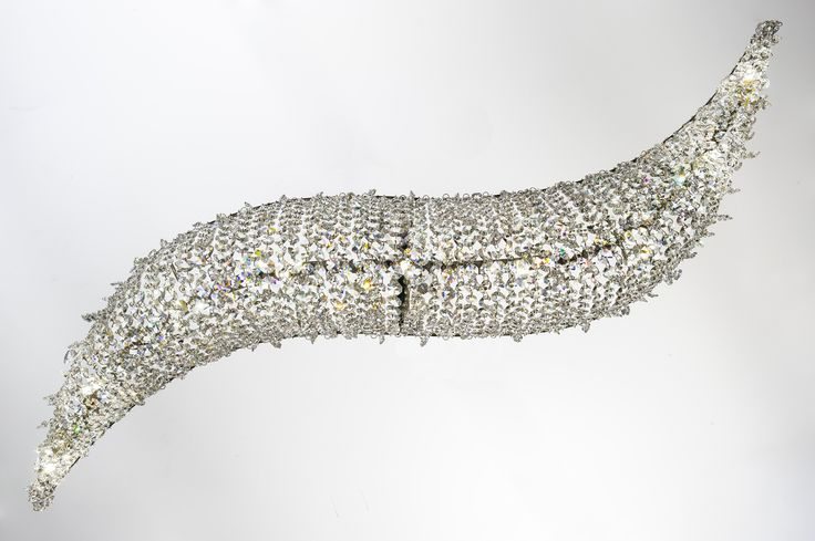 VAGUE Crystal pendant lamp by Manooi #Manooi #crystalchandelier #chandelier #lighting #design #Vague #luxury #furniture