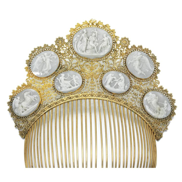 Cameo Hair Ornament | shell, gold comb 19th c.