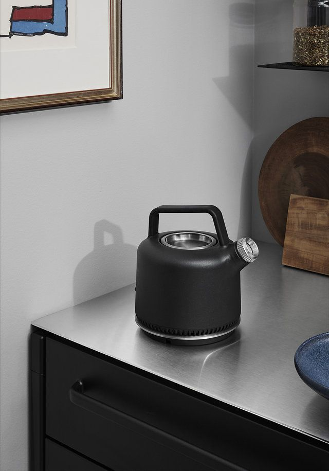 Vipp electric kettle by Back to front