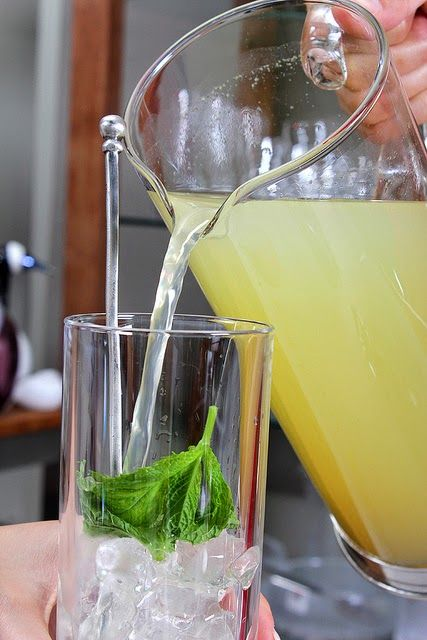 Recipe | EASY Lime & Mint Mojitos ... #step-by-step photos #holiday #party