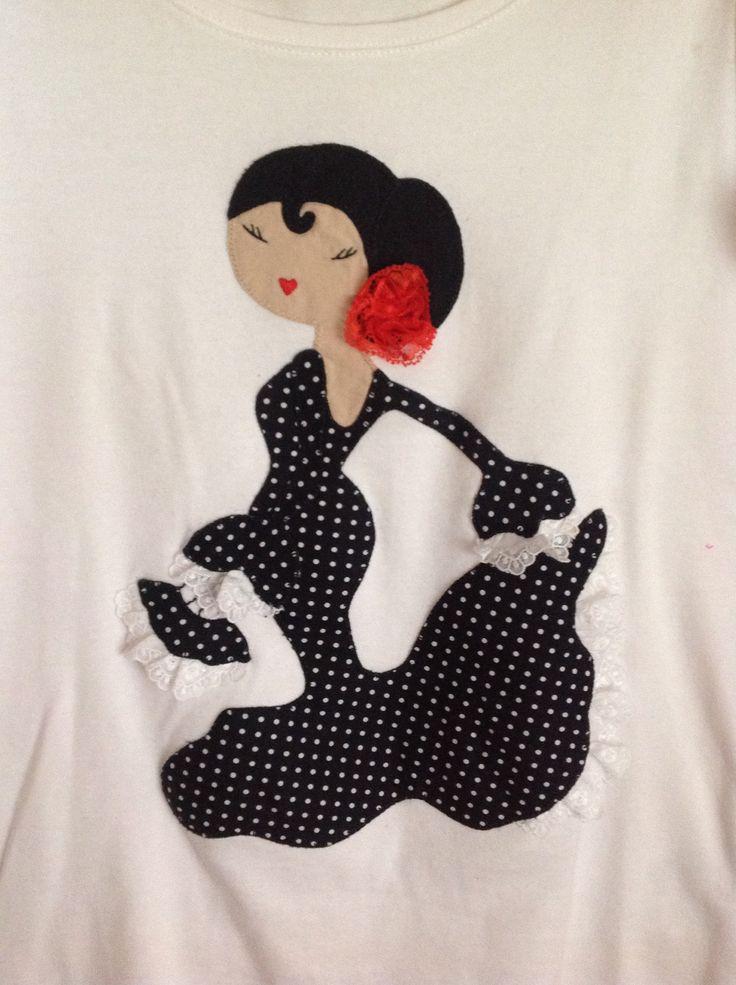 Camiseta con flamenca, realizada en aplicación Patchwork