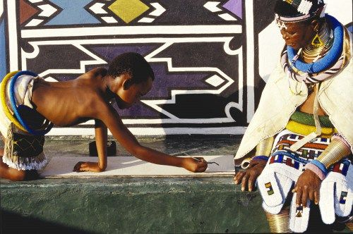 Esther Mahlangu with a student Mabokho KwaNdebele in 1993. ©